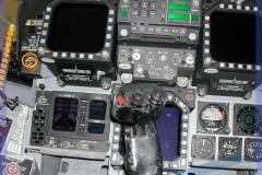 2002-F18-cockpit-swiss-002