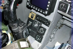 2002-F18-cockpit-swiss-004