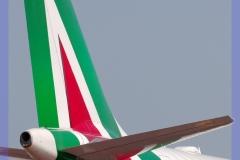 2017-malpensa-inside-boeing-airbus-a-380-b-747-777-cargo_055