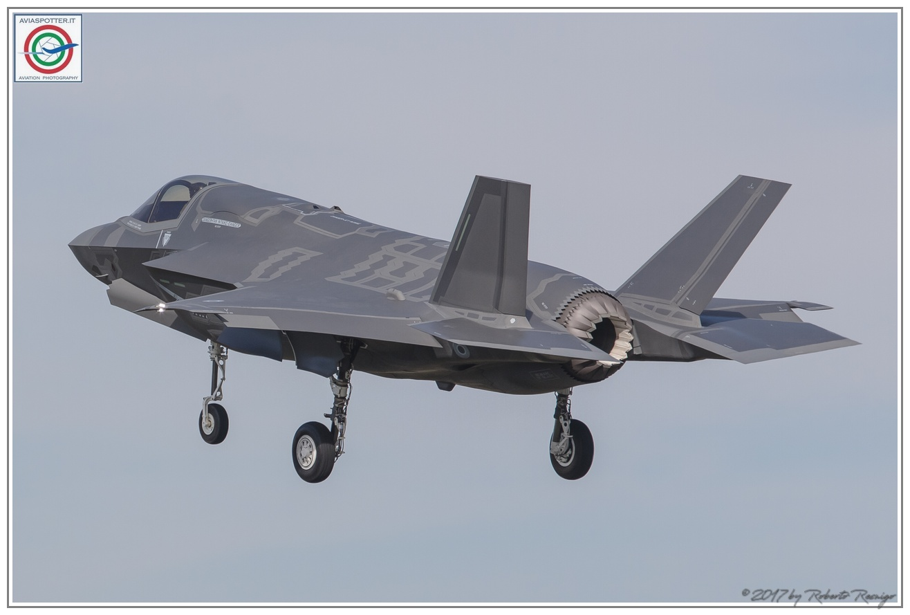 2017-F35-lightning-F35B-005