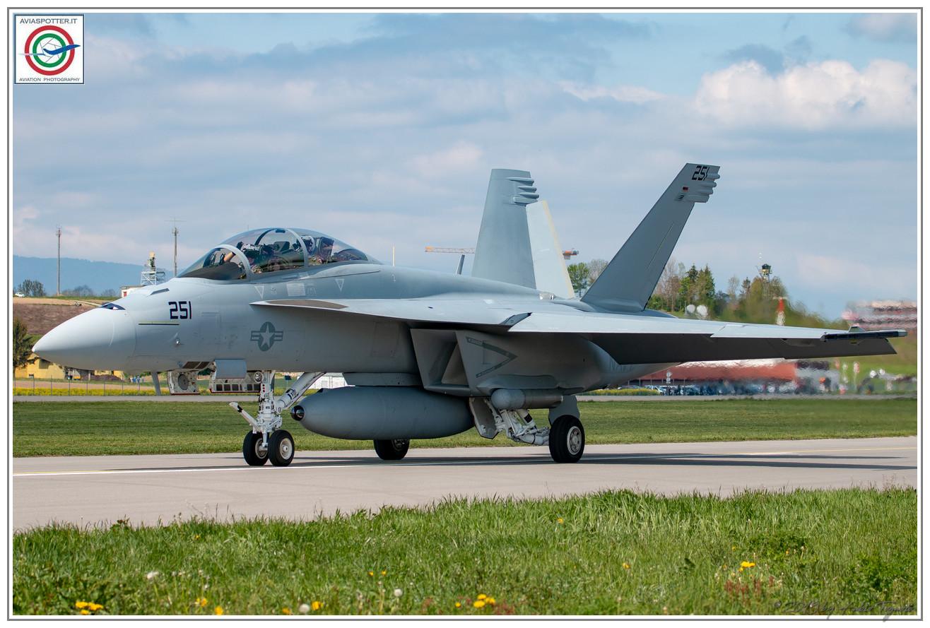 2019-F18-super-hornet-swiss-payerne-054